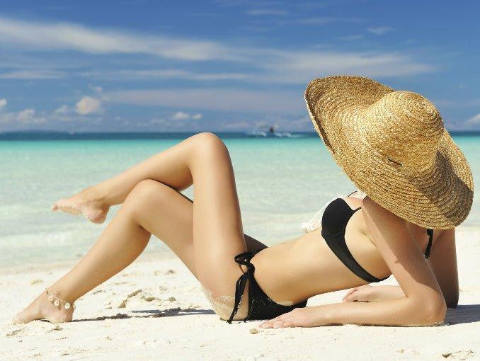 como-proteger-el-cabello-del-sol-sombrero-tan-inn-blog